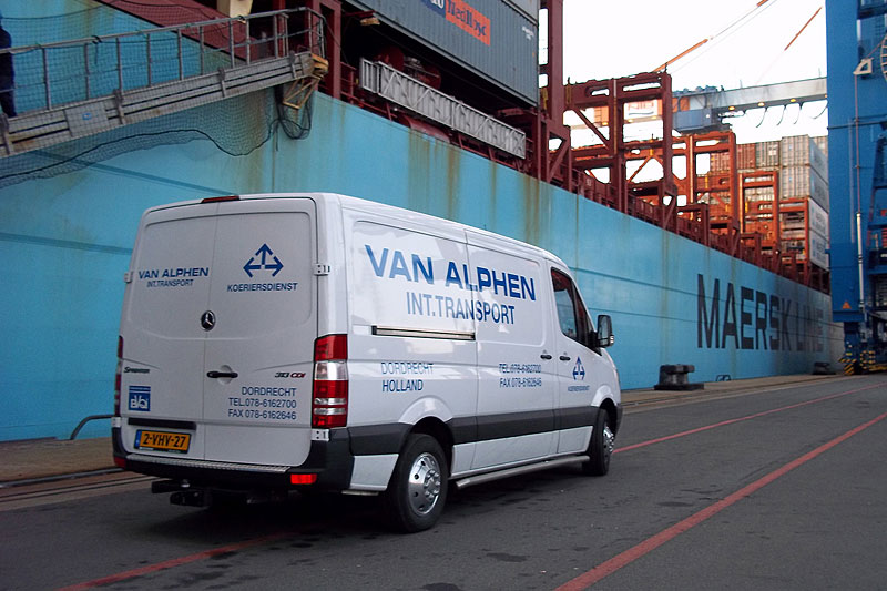 Van Alphen Transport - Koeriersdiensten - Mercedes-Benz Sprinter bij de Maersk